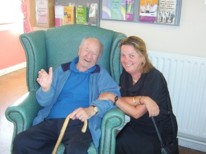 Nicky McFadden with Jimmy Reilly on a visit to Loughloe House nursing home, Athlone in August 2010.
